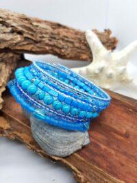 Wikkelarmband, blauw, verschillende soorten glaskraaltjes