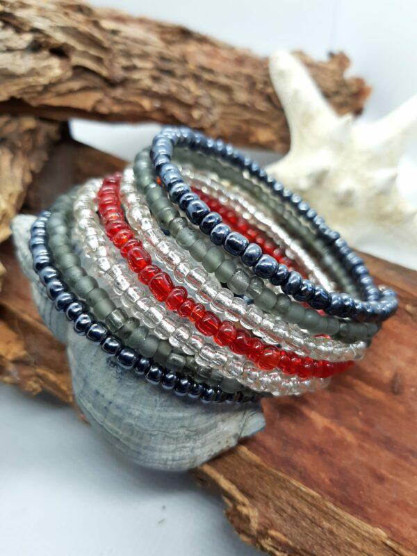 Wikkelarmband, rocailles, zwart, grijs, rood