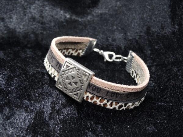 leren armband, drie verschillende repen leer, leerschuiver, bruin, slangenprint